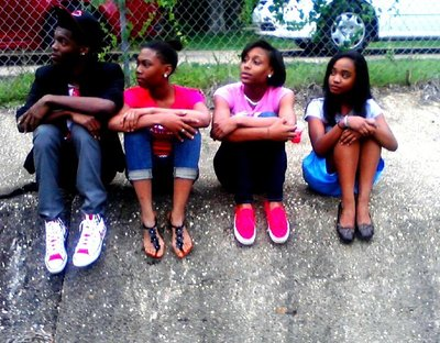 Me n my cuzinsz im on tha end.!